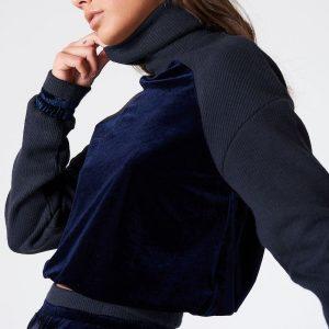 na-kd_velvet_sweater1