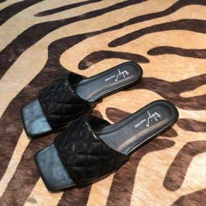 slippers_blk