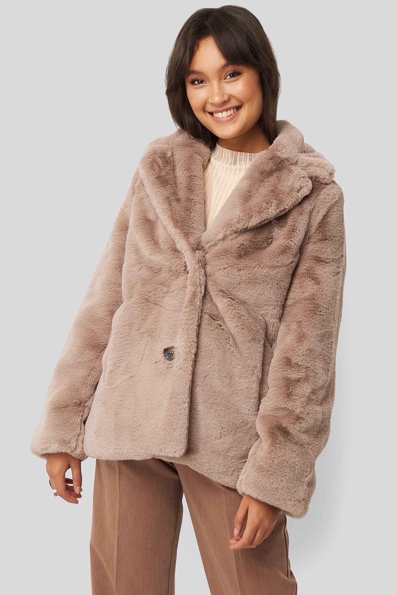 Colored Faux Fur Short Coat Beige   na-kd.com